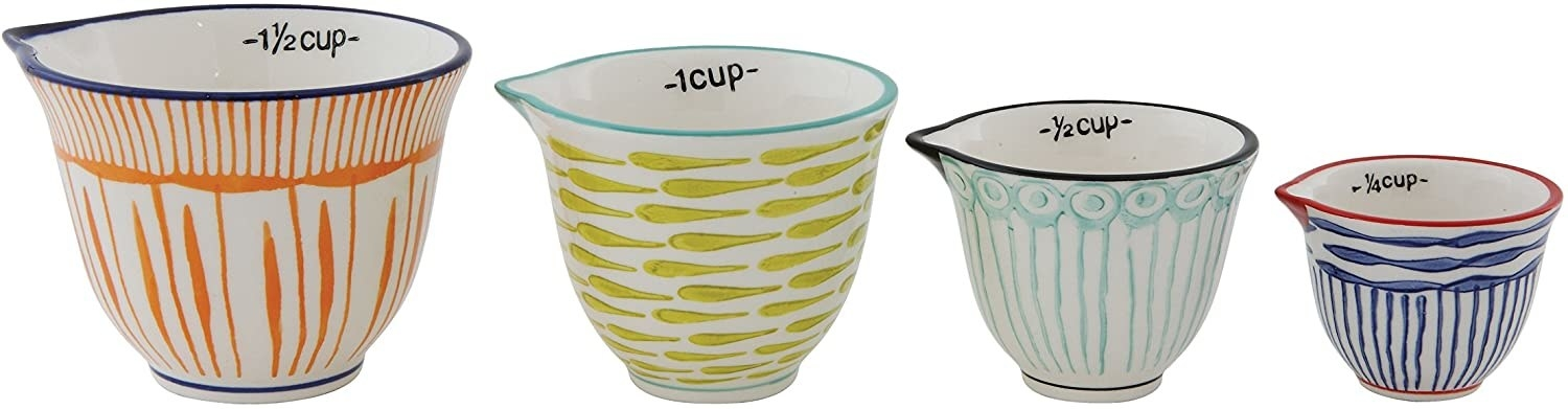 The set of four measuring cups