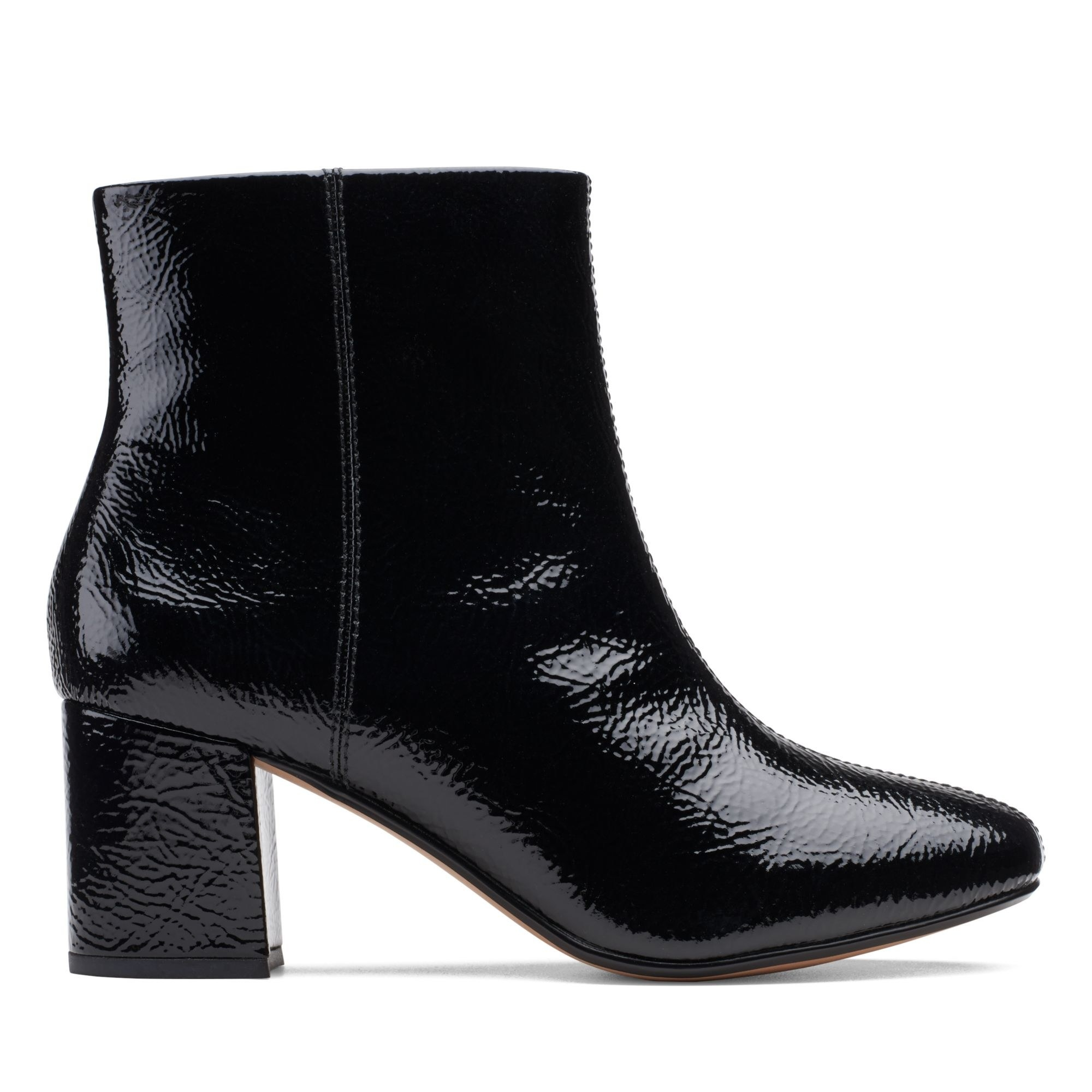 A black ChantelleStone boot