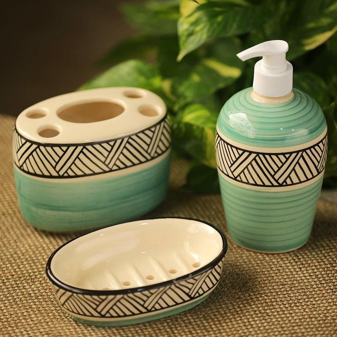 A bathroom accessories set