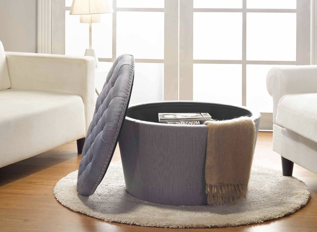 Tufted ottoman in gray