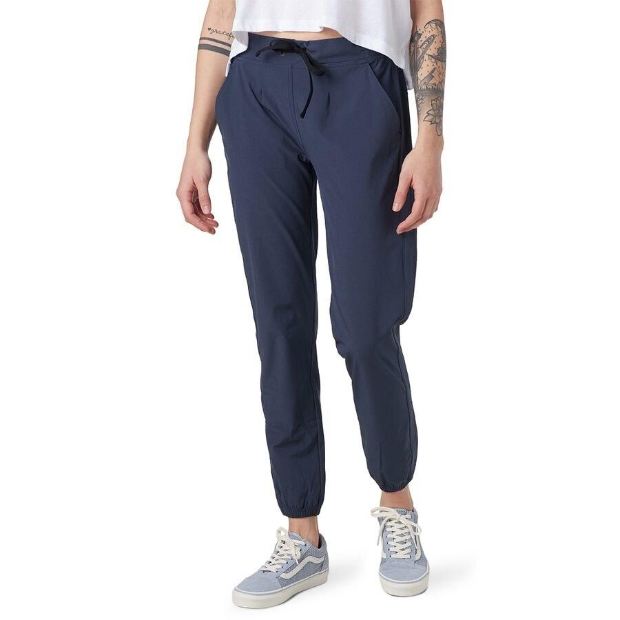 Model wearing the pants in blue