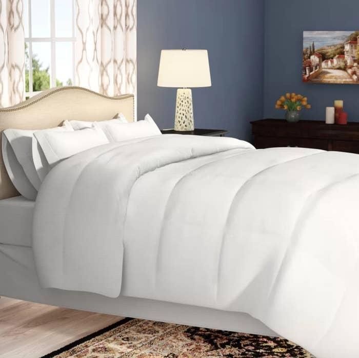 The reversible microfiber comforter in white