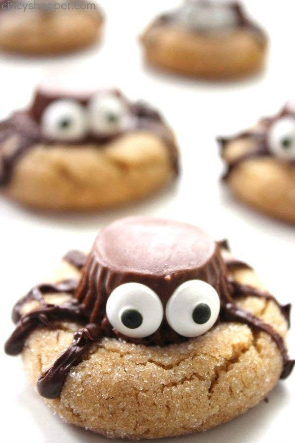 A close-up of a spider cookie with candy eyes.