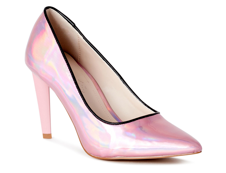 The pink metallic pump