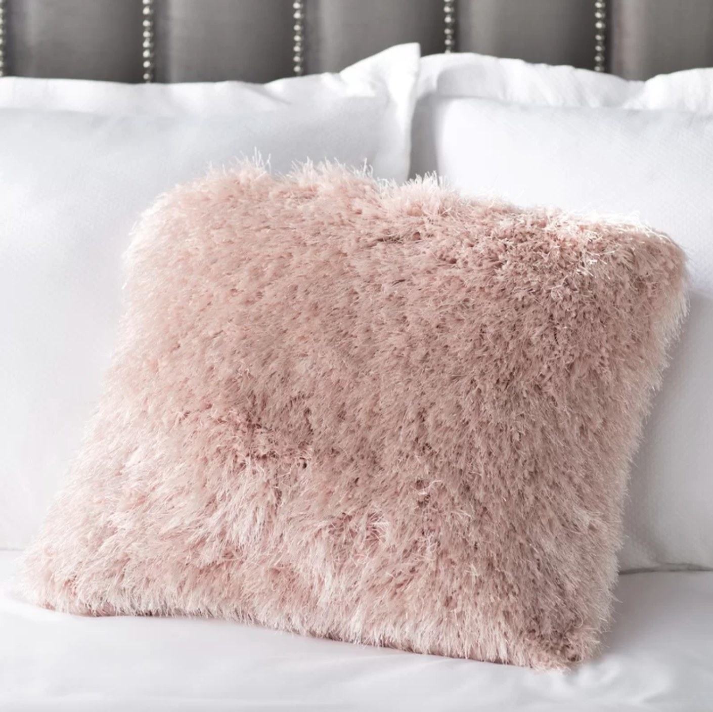 The square shag pillow in rose