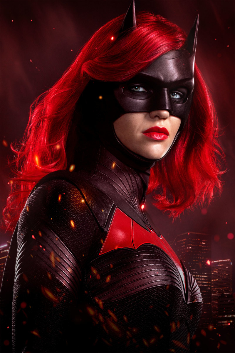 Batwoman actor Javicia Leslie catches her first look at