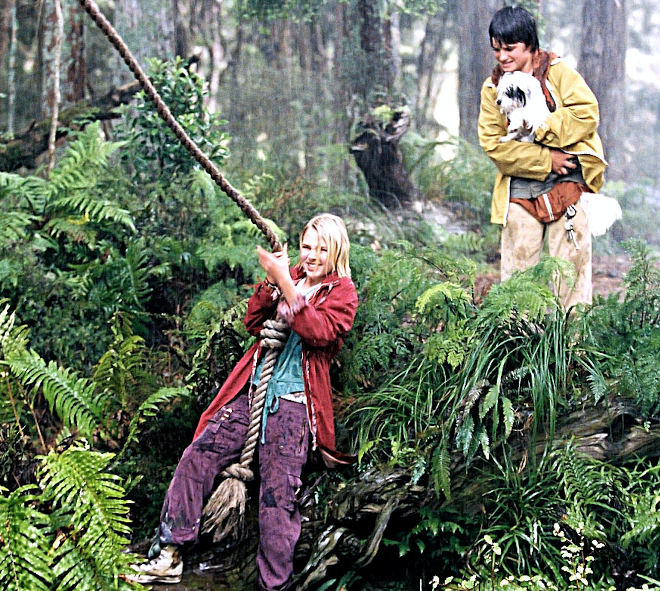 "Josh Hutcherson as Jess Aarons and AnnaSophia Robb as Leslie Burke in the movie ""Bridge to Terabithia."""