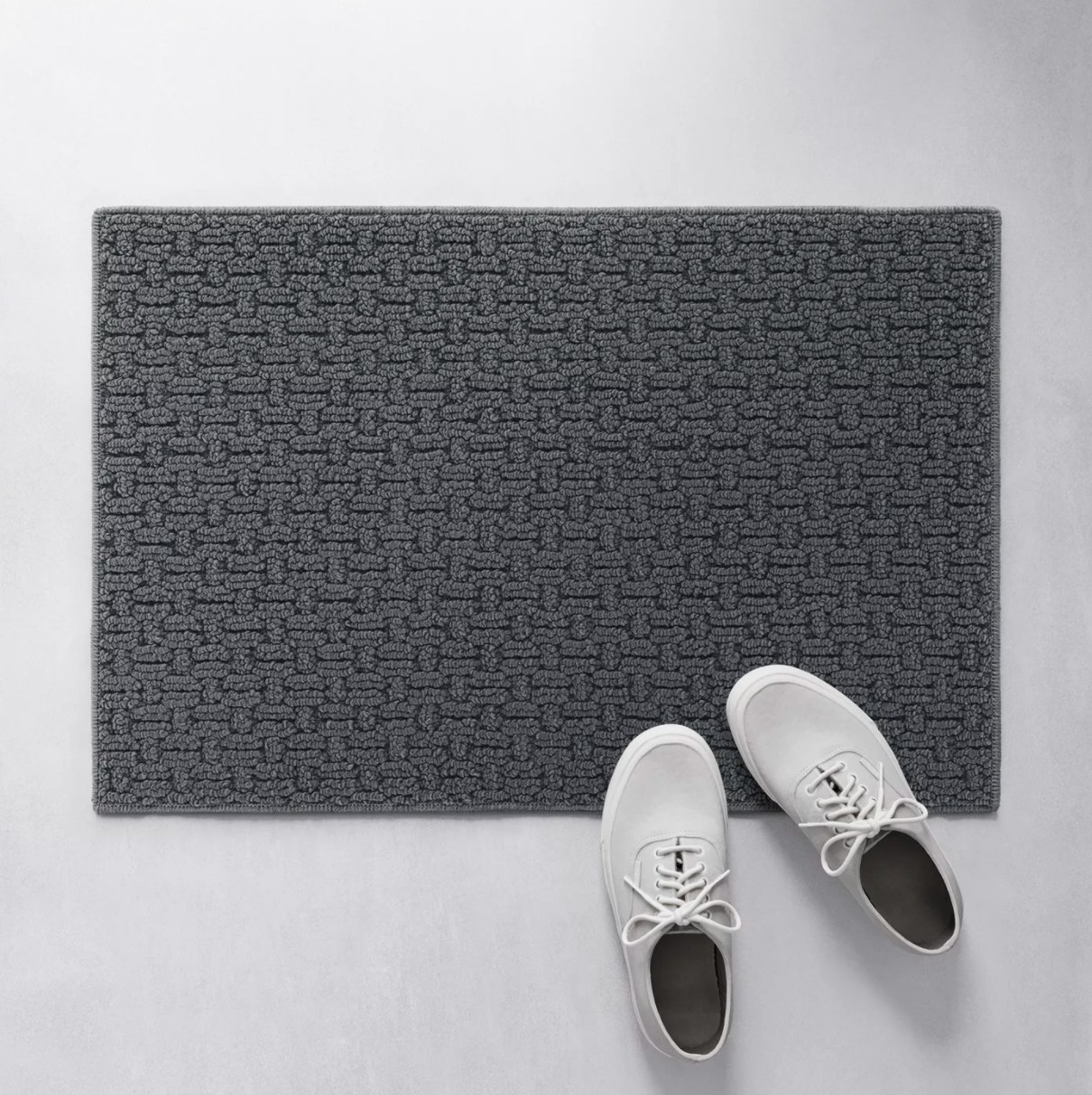 The washable rug in gray