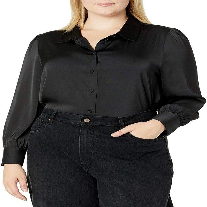 model wearing the black top