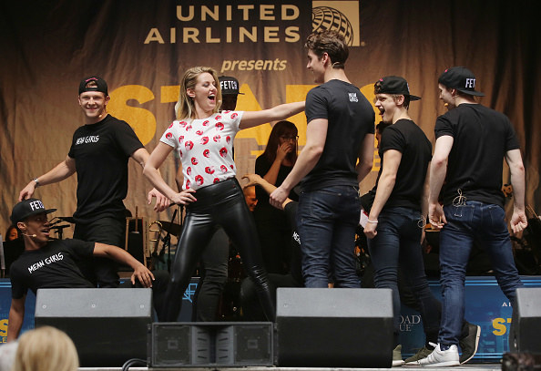 Taylor Louderman and Kyle Selig rehearsing the song
