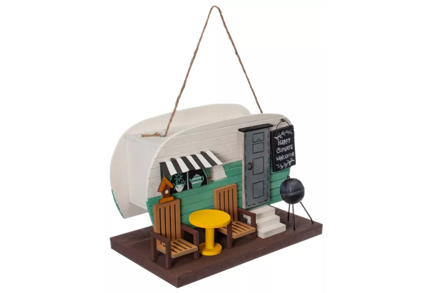 a birdhouse that looks like a camper