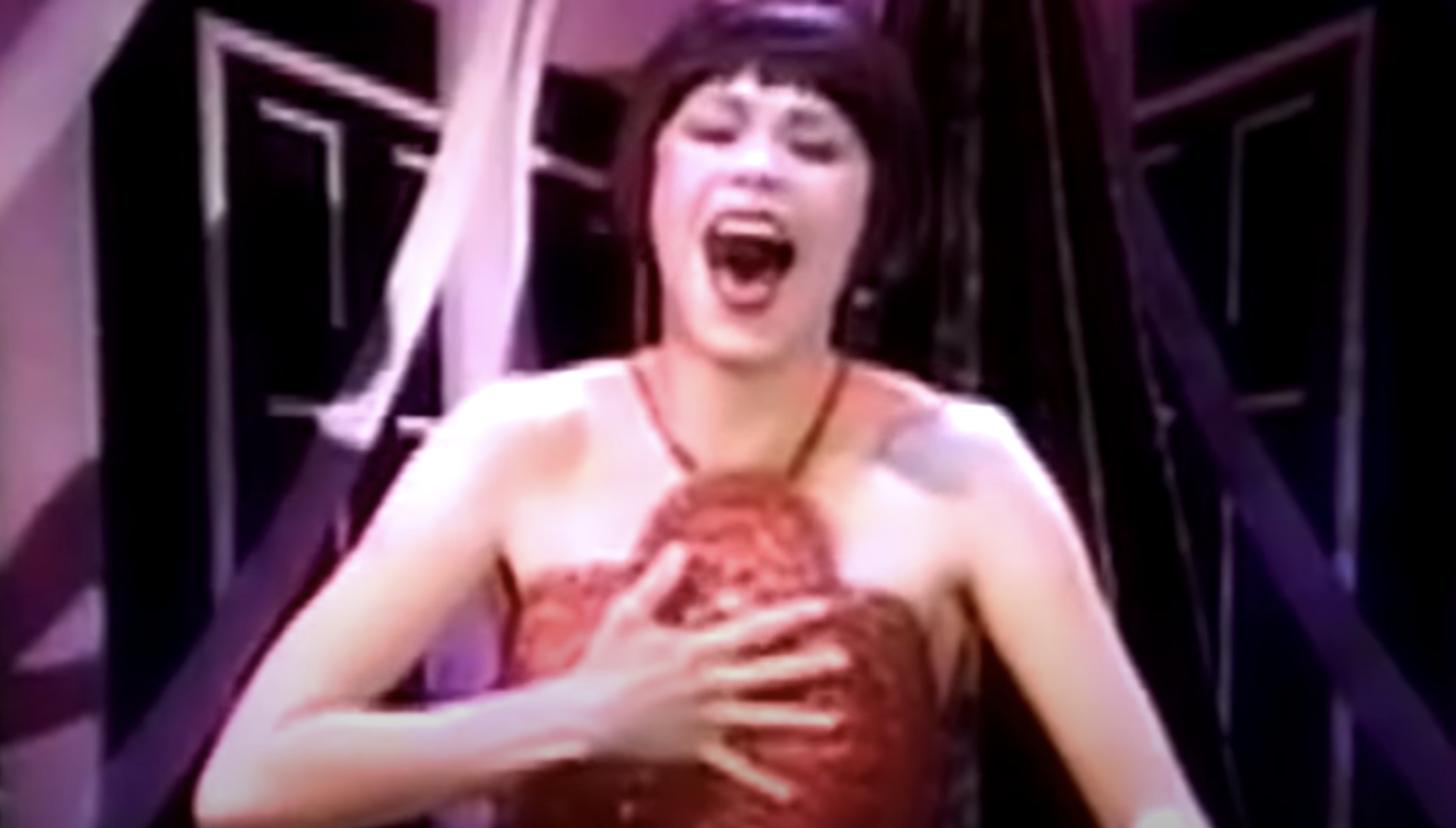Sutton Foster performing the song on the Rosie O'Donnell Show
