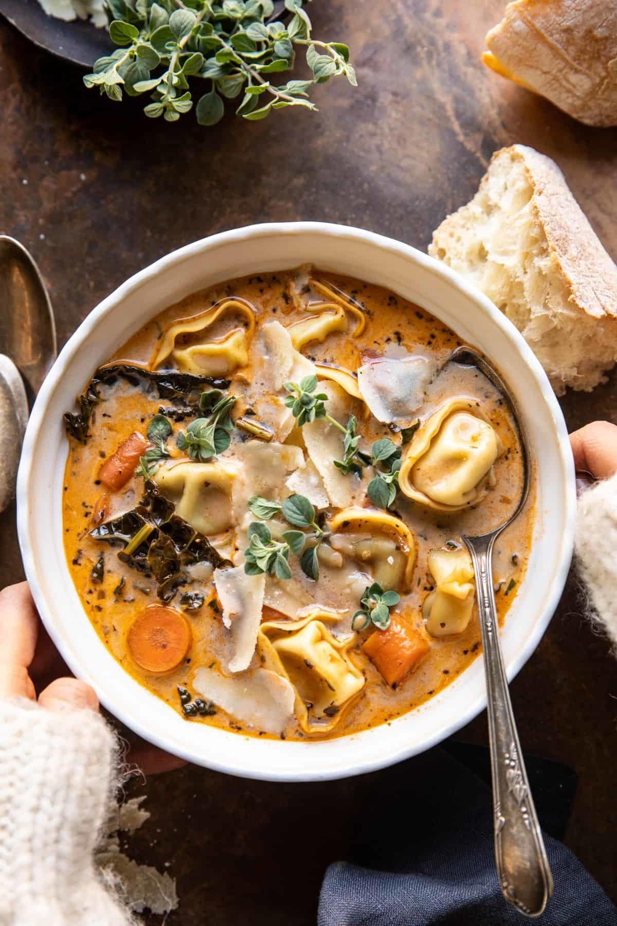 Tortellini vegetable soup