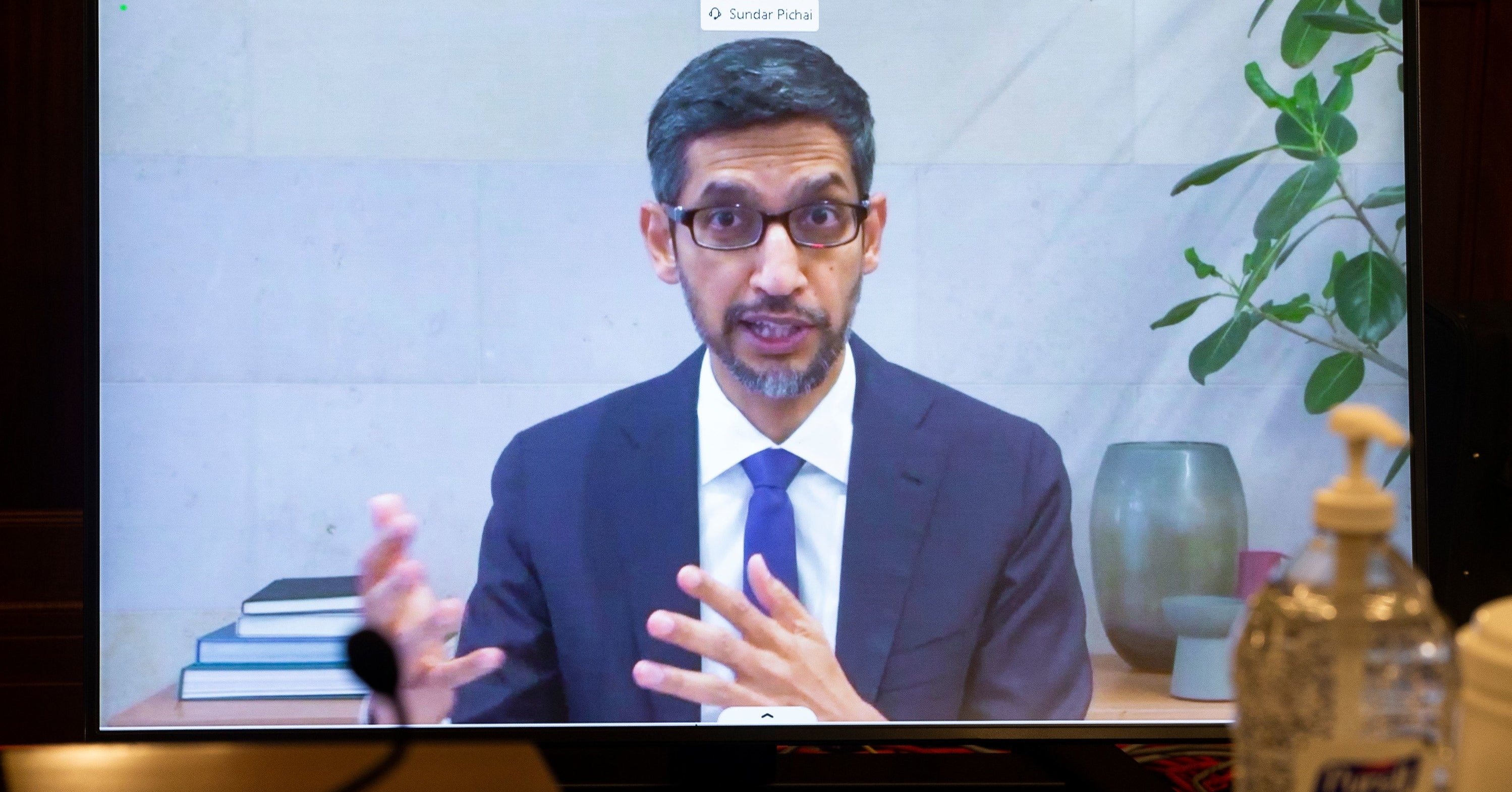 US Senators Can't Be Bothered To Pronounce The Google CEO's Last Name Correctly