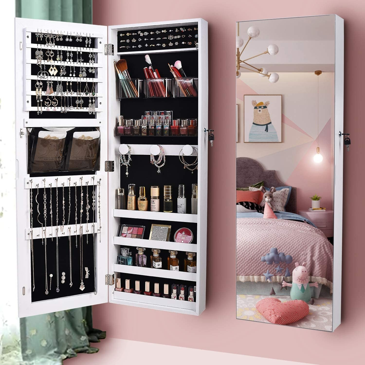 The LVSOMT organizer mirror in a bedroom