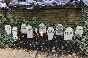 """墓碑别人的码是说这样的话,""""好玩"""",""""健身房"""",""""酒吧"""",""""拥抱""""等设置"""