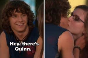 """在《佐伊101》中,洛根把奎恩的眼镜还给她,然后说:""""嘿,这是奎恩"""",然后吻了她"""