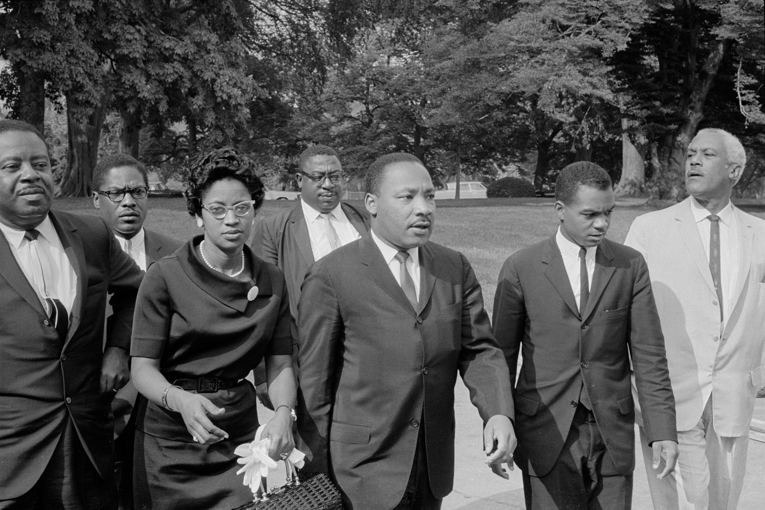 Martin Luther King Jr walks with others