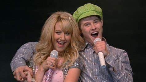 Sharpay and Ryan performing on stage