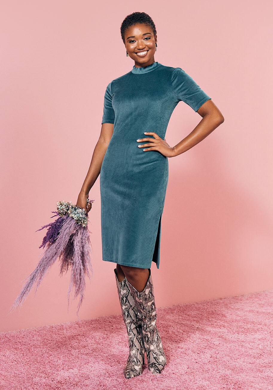 Teal knee-length dress with short sleeves and side slit