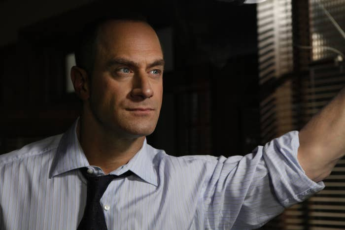 Christopher Meloni as Det. Elliot Stabler, looking out a window.