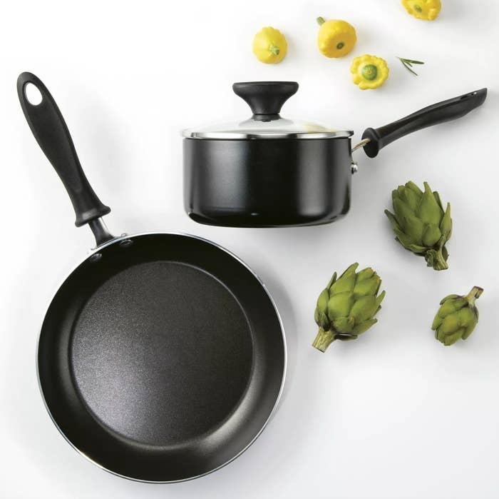 The nonstick saucepan in black with a glass lid