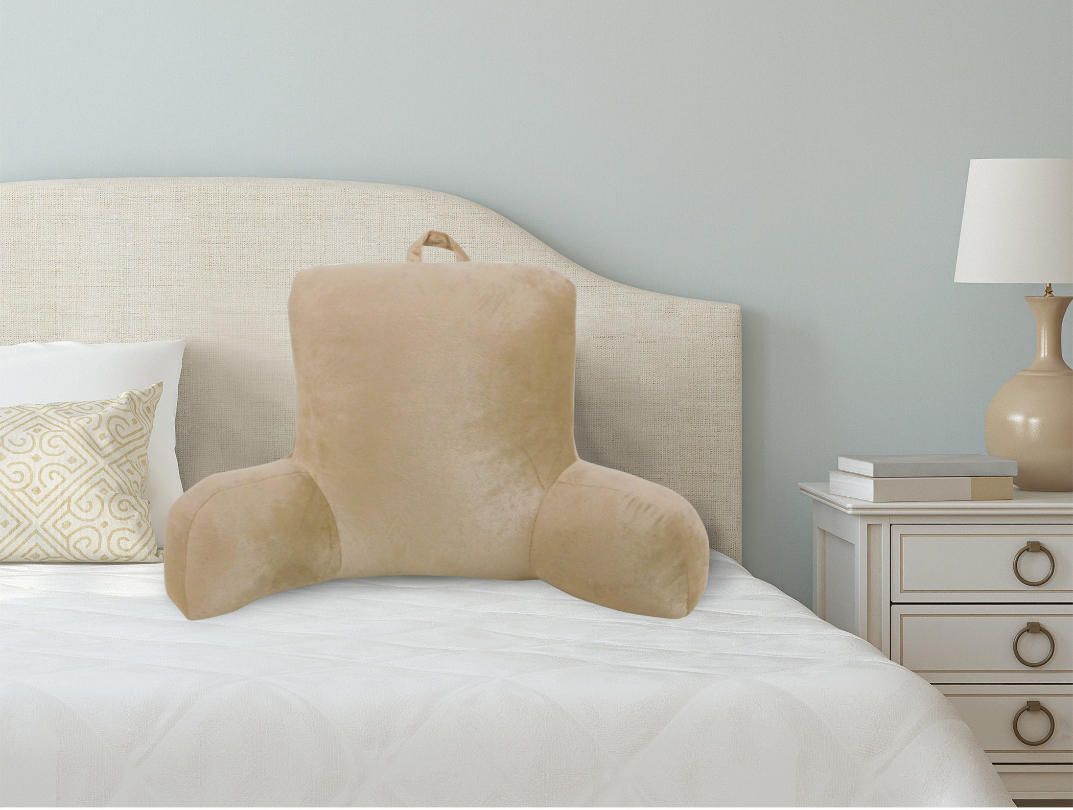 The lounger pillow in the color brownstone
