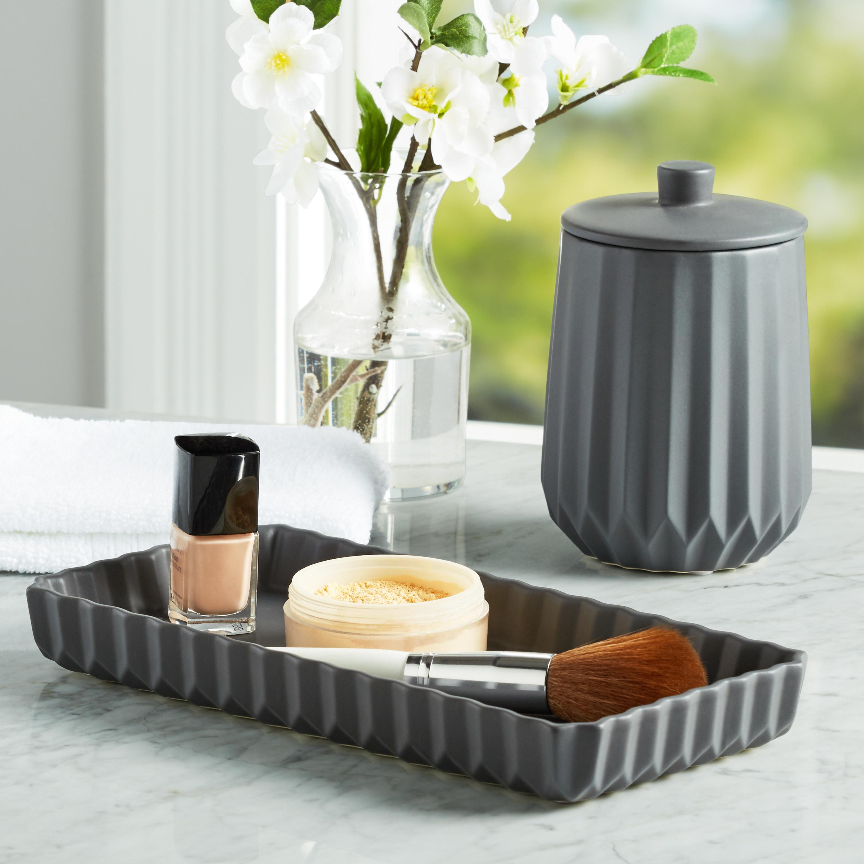 The bathroom accessory set