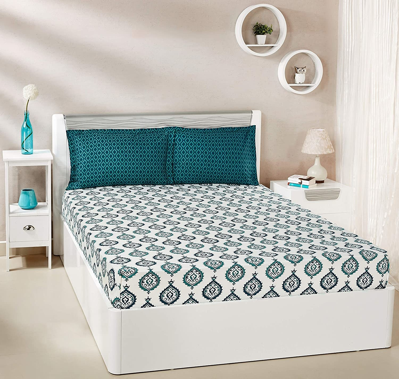 A green bedsheet