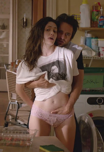 """An intimate scene from """"Shameless"""" featuring Emmy Rossum and Justin Chatwin"""