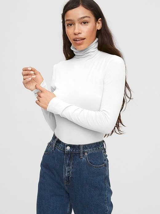 the turtleneck in white