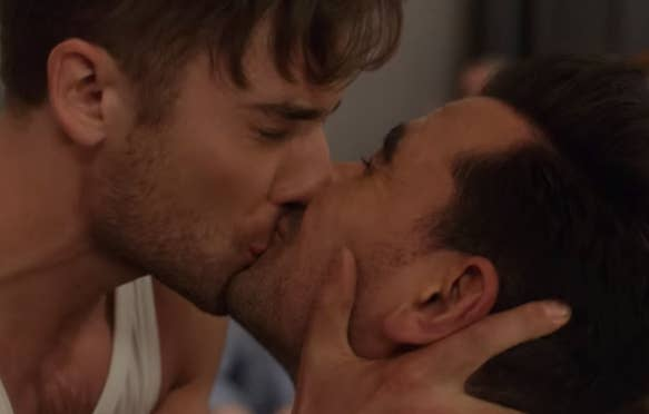 David and ted from schitts creek kiss
