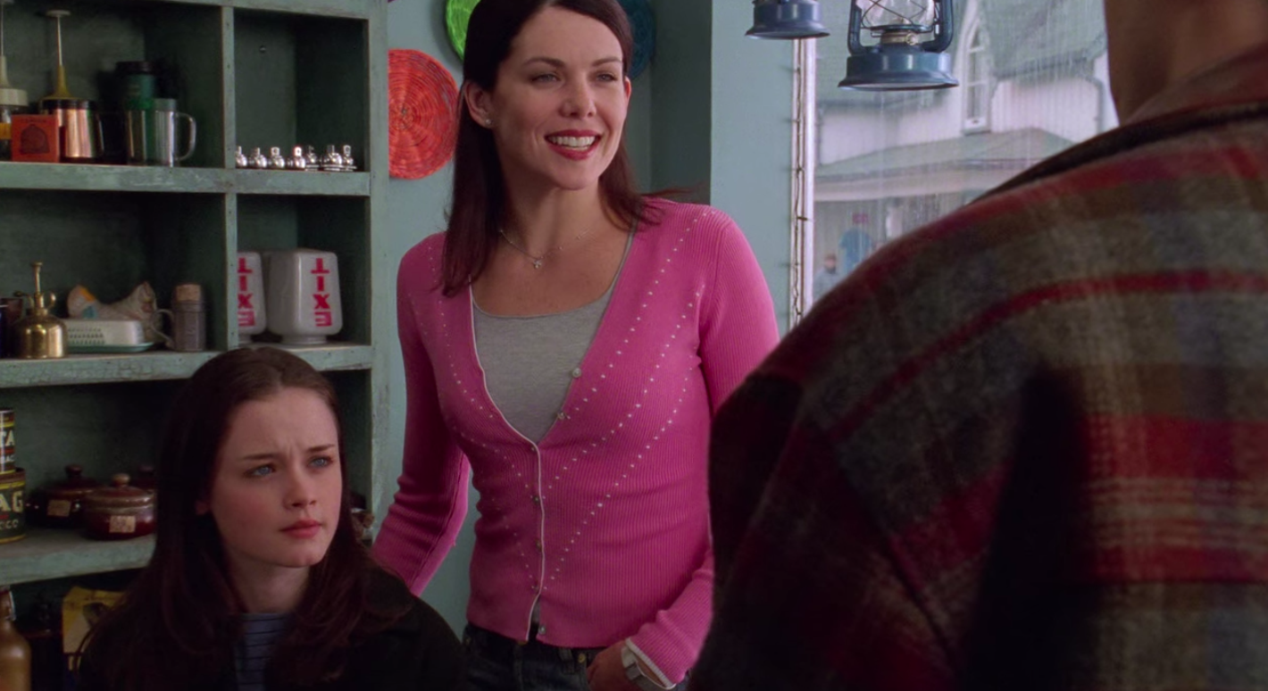 A still of Lorelai and Rory in Gilmore Girls