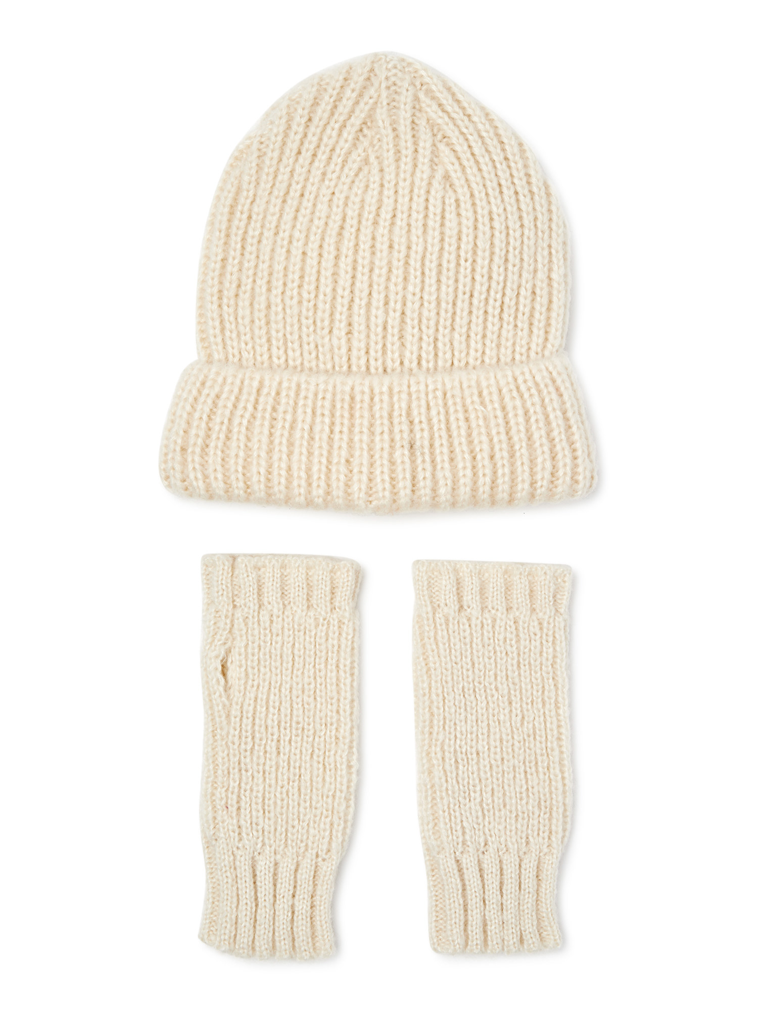 A cream hat and fingerless mits