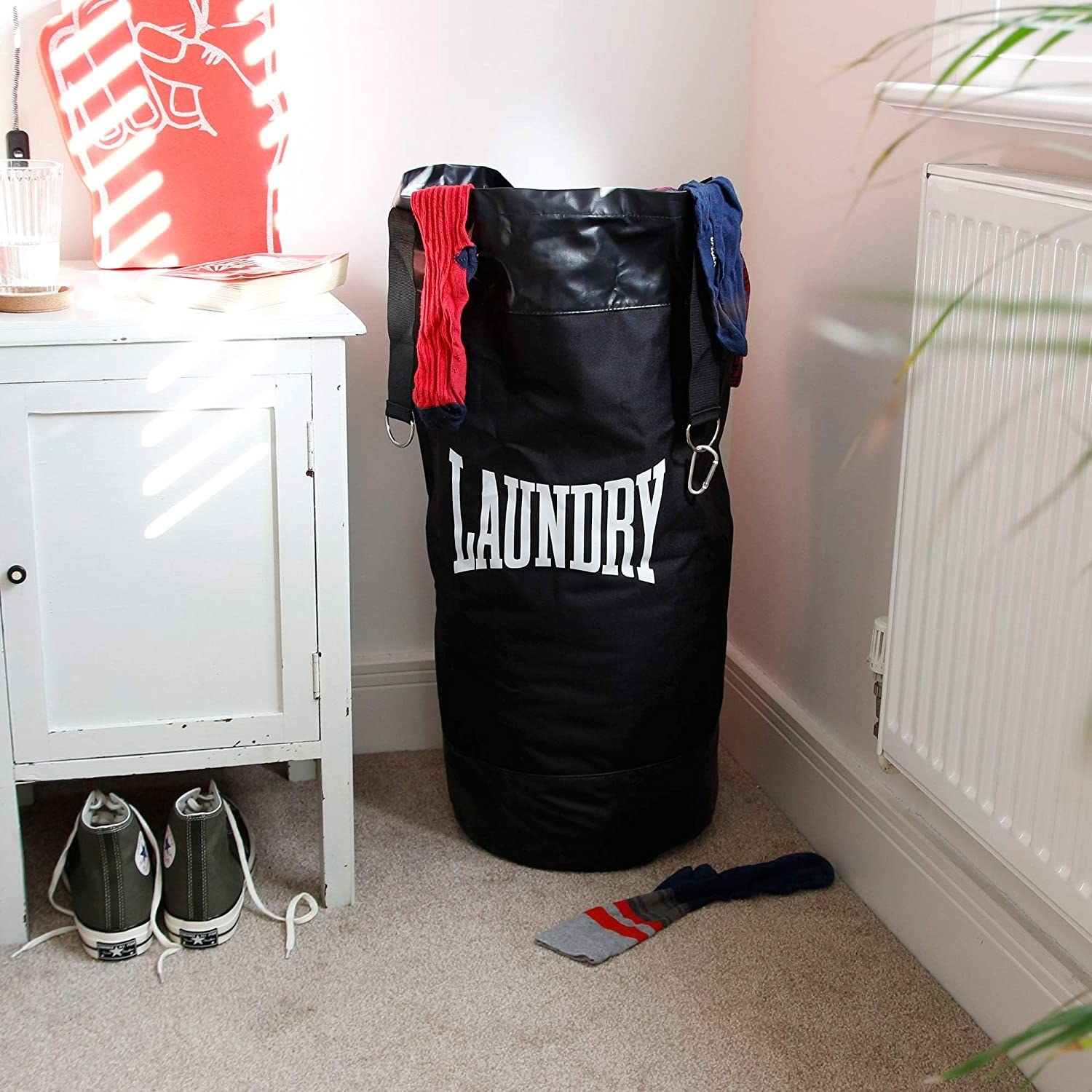 The laundry bag in black