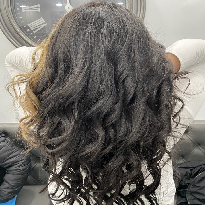 Reviewer image of their loose curls