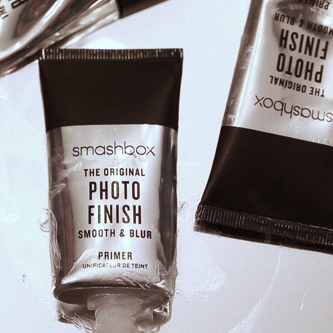 A tube of Smashbox's Photo Finish Smooth & Blur primer