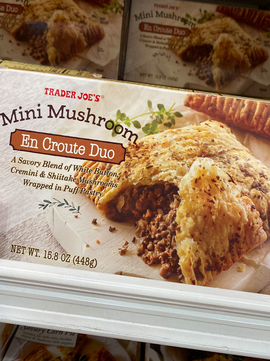A box of Trader Joe's mini mushroom en croute duo.