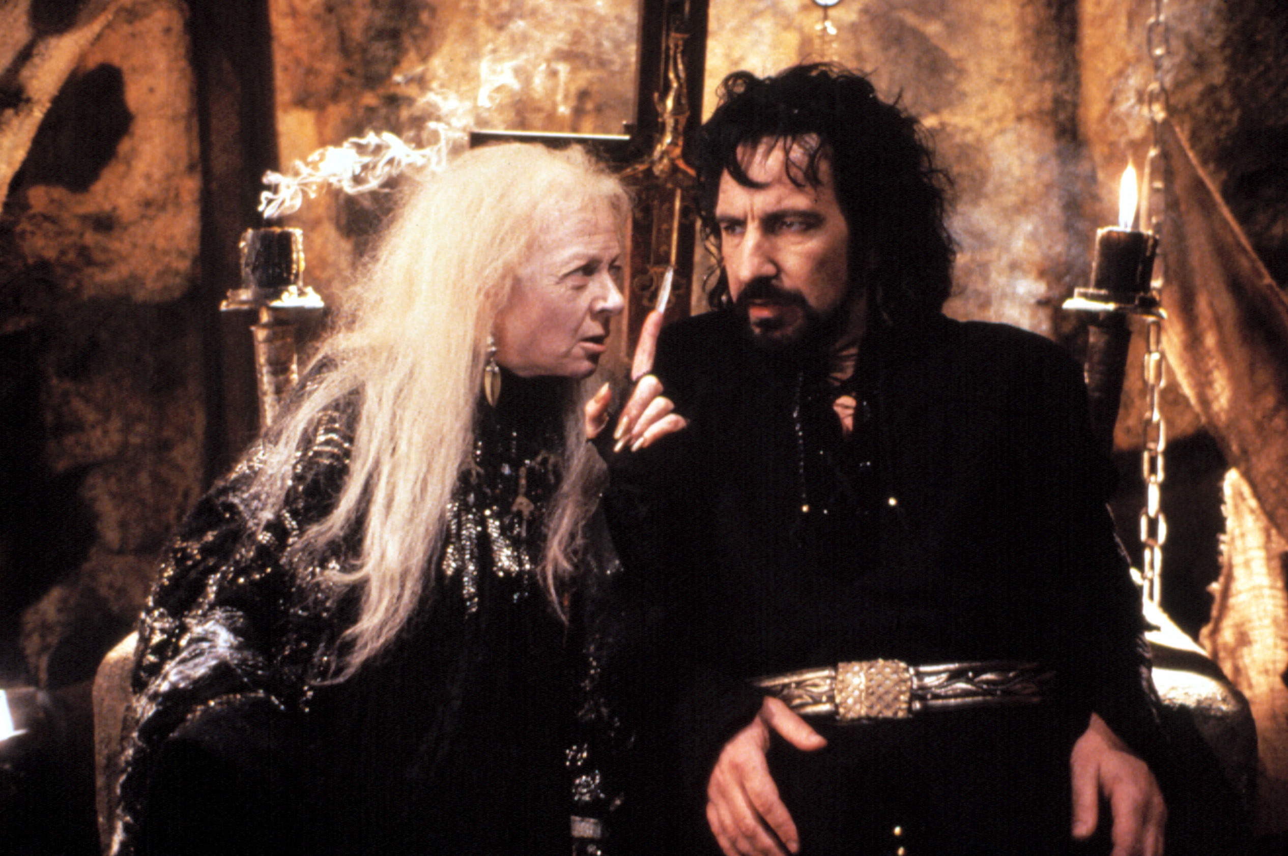 Mortianna pointing her finger at Sheriff of Nottingham while in the middle of an intense conversation