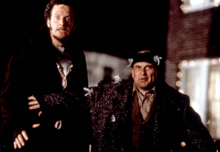 HOME ALONE, Daniel Stern, Joe Pesci, 1990