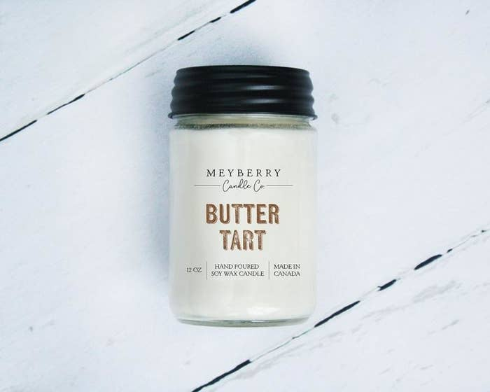A candle that says butter tart