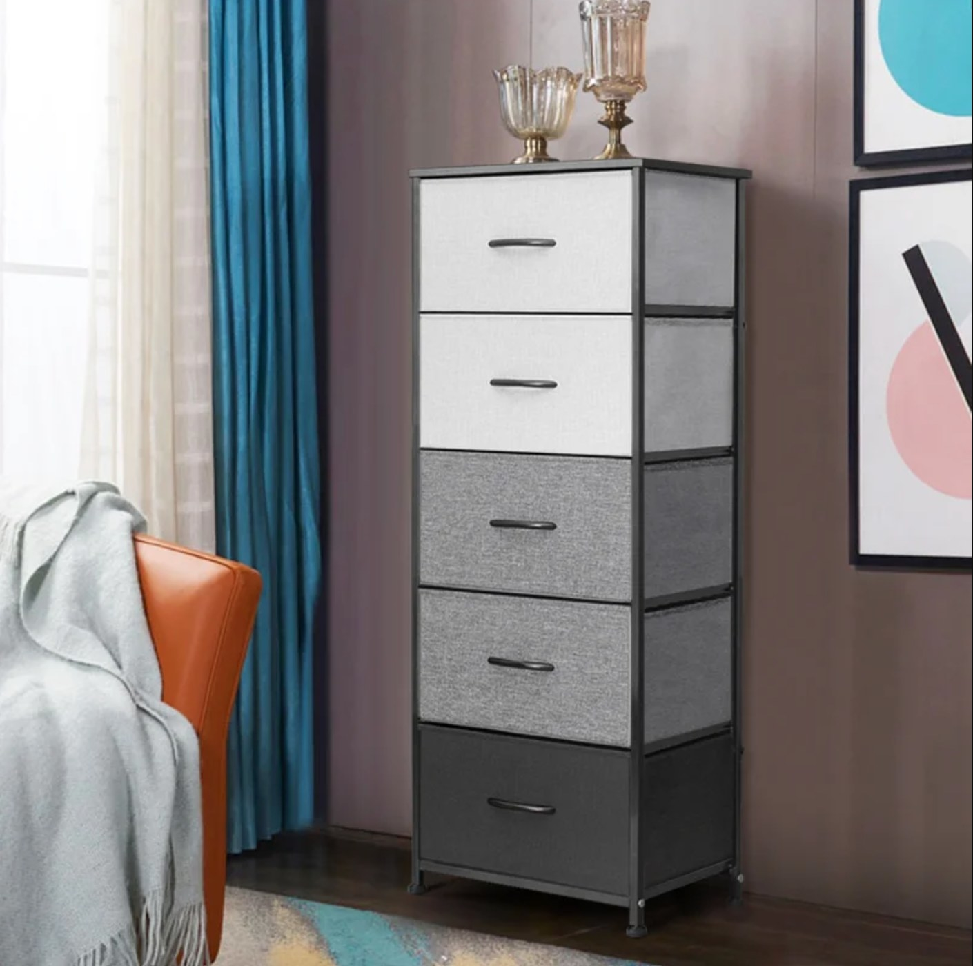 The five drawer lingerie chest in gray/black