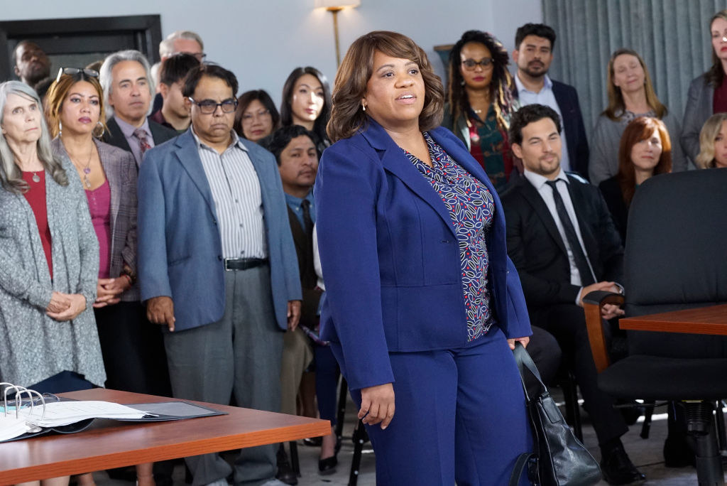 Dr. Bailey and all of Dr. Grey's patients standing up for her during the medical trial.