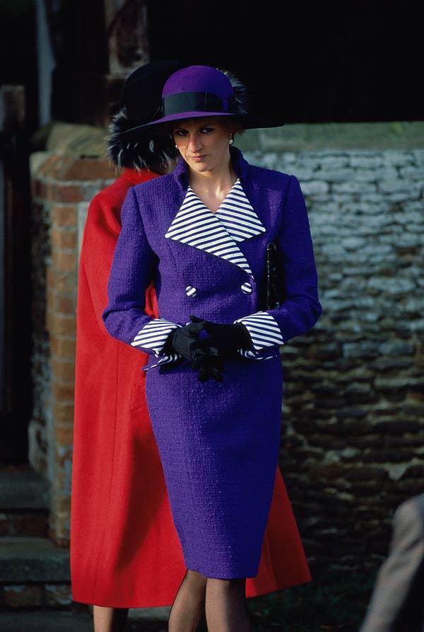 Плаття принцеси Діани: Фіолетове пальто і відповідний капелюх