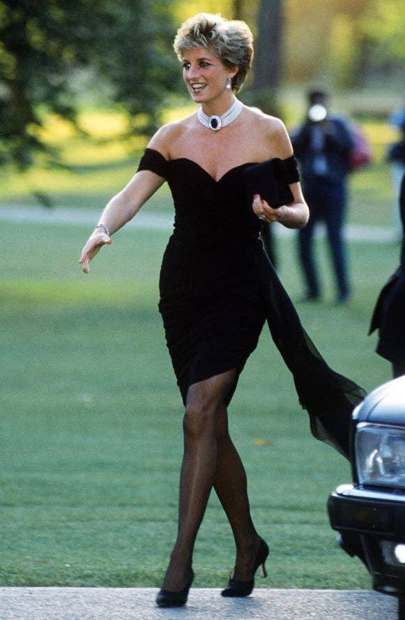 Плаття принцеси Діани. І чорне плаття...
