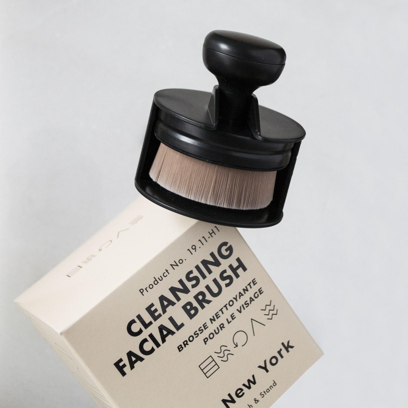 Cleansing facial brush