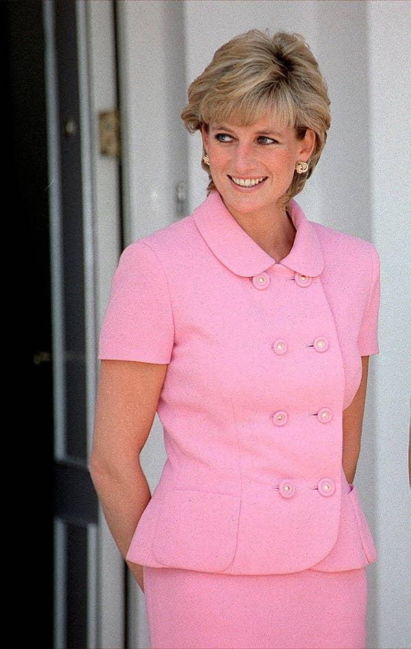 Плаття принцеси Діани:  Тепер рожевеньке...