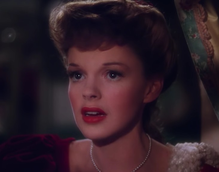 Close up of Judy Garland in Meet Me In St Louis