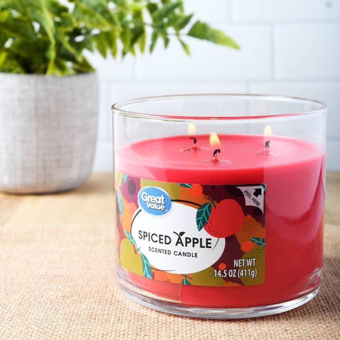 a red apple pie scented candle