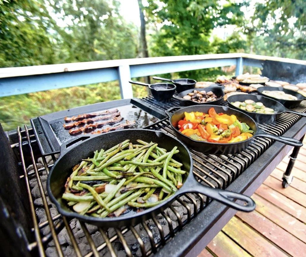The cast-iron skillet with green beans
